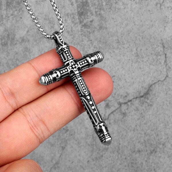 Collar de cruz de acero inoxidable para hombres en Lima